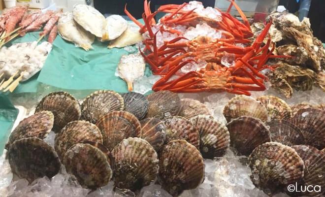 Seafood auf dem Fischmarkt in Kanazawa: Omicho Ichiba