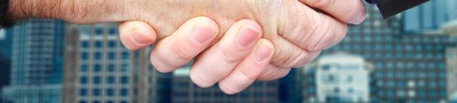 Bild: Händeschütteln. 11 Gründe, Japanisch zu lernen